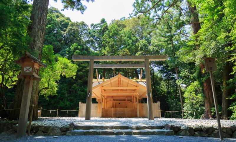 伊勢神宮参拝とナガシマリゾートで充実したコースです。