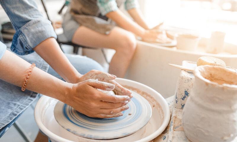 陶芸体験と、おいしいもの食べて、インスタ映えなお店でお土産買う旅