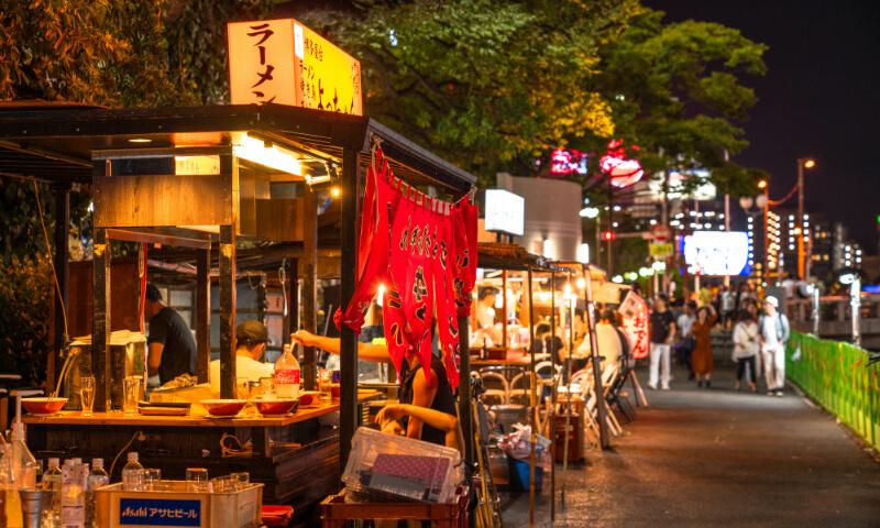 活気ある博多の街と門司・下関観光